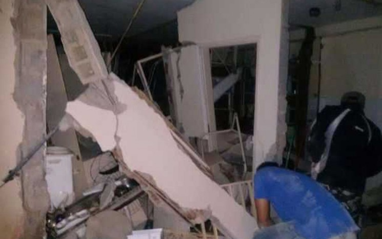 Explosões causaram destruição no BB e nos Correios de Tremedal.  (Foto: Blog do Anderson)