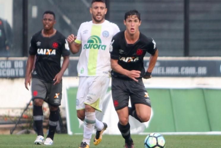 O Vasco saiu na frente com gol no primeiro tempo, mas a  Chapecoense empatou no segundo.  ( Paulo Fernandes/Vasco.com.br)