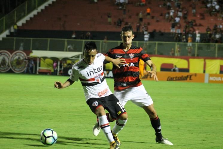 Rubro-negro baiano foi um time inoperante e perdeu para o São Paulo por 2 a 1.  (Foto: Maurícia da Matta / EC Vitória/Divulgação)