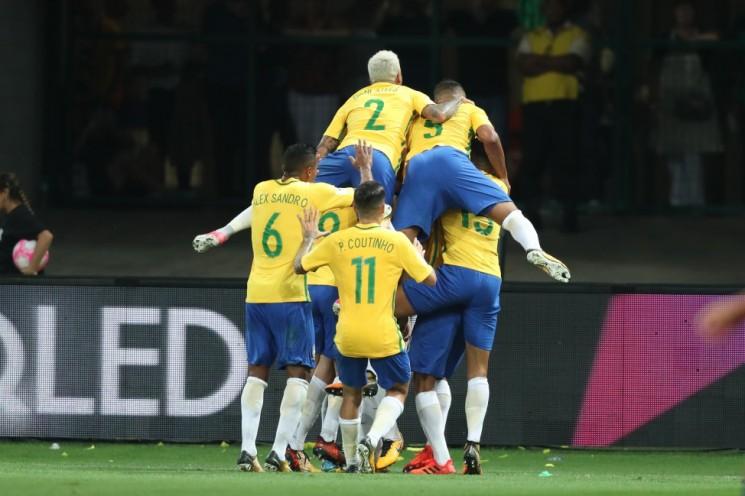 O Brasil encerra a competição isolado na liderança, com 41 pontos em 18 jogos.  (Foto: Lucas Figueiredo/CBF/Divulgação)