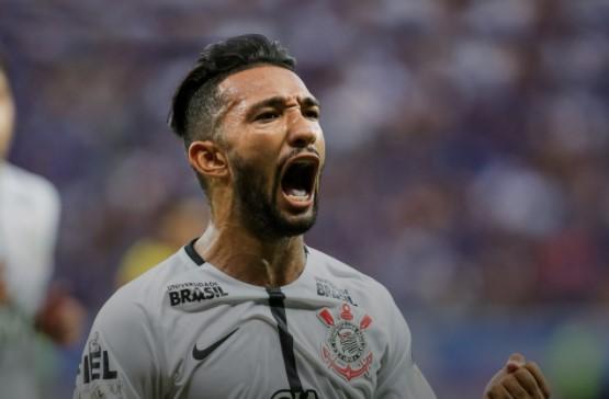 Com dois de Clayson no segundo tempo, na Arena, o Corinthians venceu o Coritiba por 3 a 1 nesta quarta-feira e abriu 11 pontos na liderança do Campeonato Brasileiro. (Foto: FPF/Divulgação)
