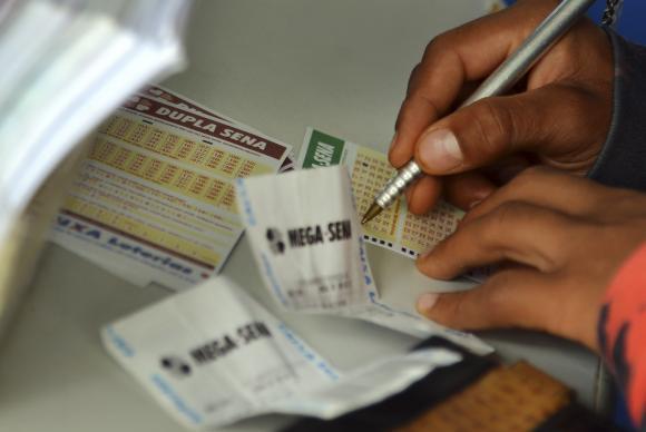 A aposta mínima da Mega-Sena  custa R$ 3,50