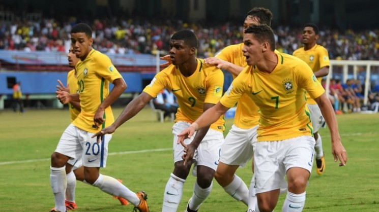 Com o triunfo, a Seleção Brasileira assume a primeira colocação do Grupo D, com três pontos. (Créditos: Getty Images/FIFA/CBF/Divulgação)