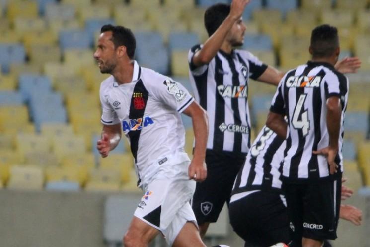 Os botafoguenses reclamaram muito da arbitragem, mas o Vasco venceu a quarta seguida. (Foto: Vasco/Divulgação)