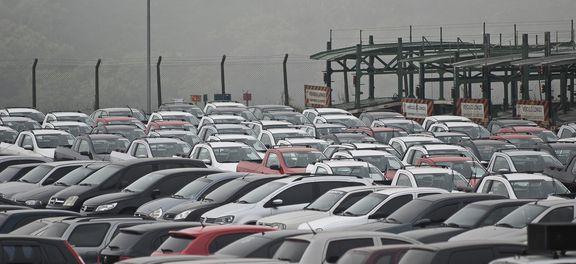 Pátio de montadora em São Bernardo do Campo. No mês passado, vendas de veículos novos ficaram 24,5% acima das de setembro de 2016  (Foto: Agência Brasil)