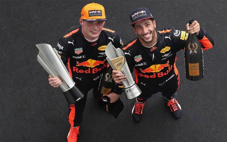 Foi a segunda vitória da carreira do jovem holandês, que completou 20 anos um dia antes da disputa do GP.