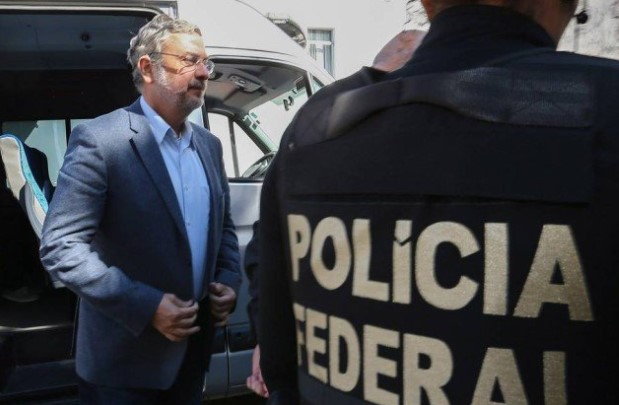 Palocci afirma que entregou dinheiro vivo a Lula e detalha tudo em delação