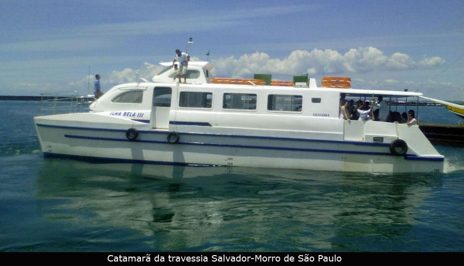 É tranquilo embarque nas travessias de Mar Grande e Morro de São Paulo
