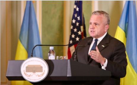 Vice-secretário norte-americano tem reuniões em Brasília