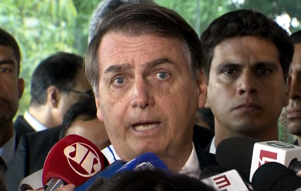 Bolsonaro  destaca caráter pacífico de atos em defesa do governo