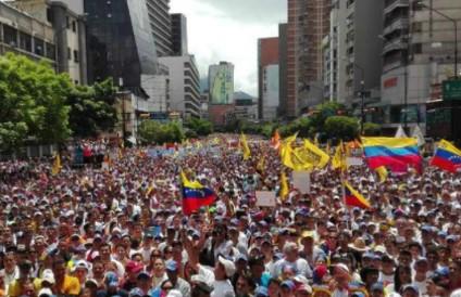 Pelo menos 15 pessoas morreram devido ao apagão na Venezuela, diz ONG