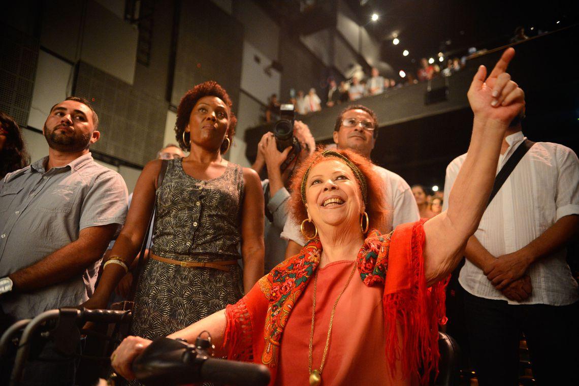 Beth Carvalho morre aos 72 anos no Rio de Janeiro