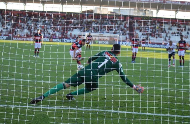 Vitória empata contra o Atlético-GO na estreia do técnico Osmar Loss