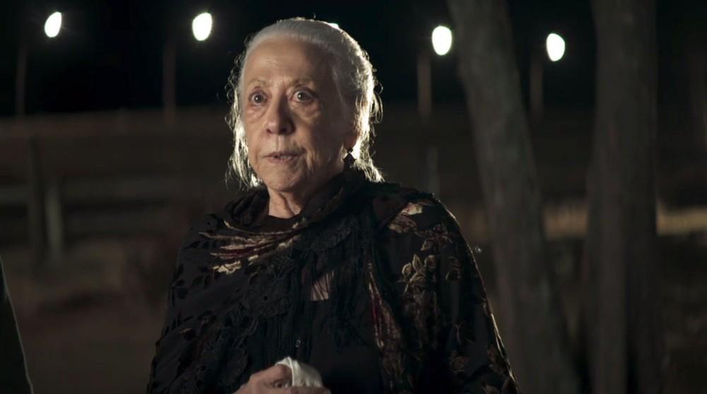 A Dona do Pedaço: Dulce (Fernanda Montenegro) morre após incendiar a casa dos Matheus