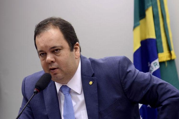 Líderes do Centrão articulam para reduzir poderes de Bolsonaro