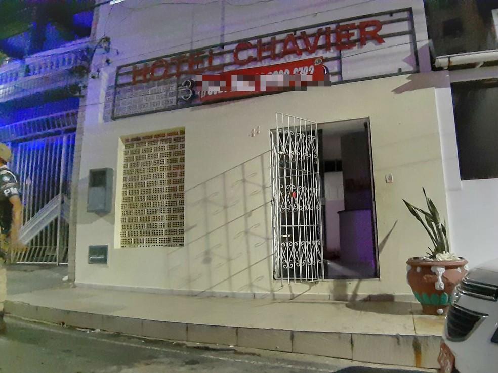 Policial militar morre após ser baleado em hotel no largo Dois de Julho