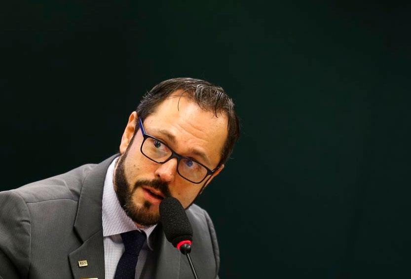 Presidente do Inep, órgão responsável pelo Enem, pede demissão.