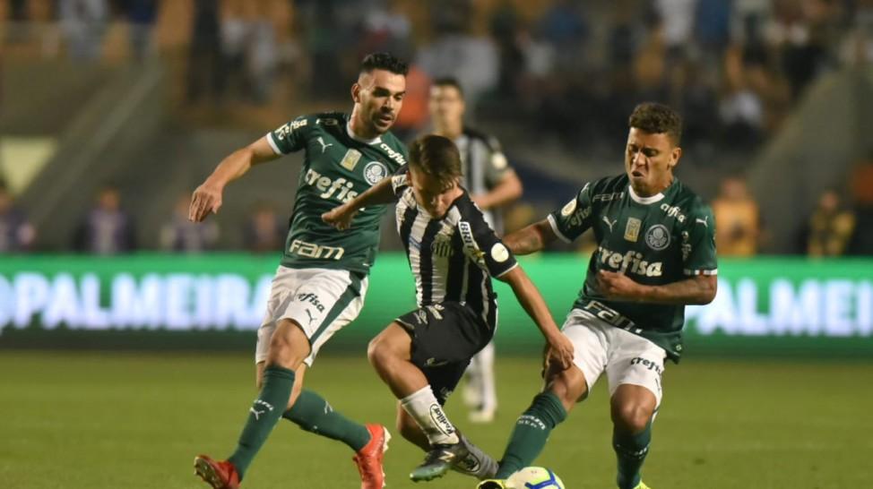 Palmeiras goleia o Santos por 4 a 0  e assume liderança isolada do Brasileirão 2019