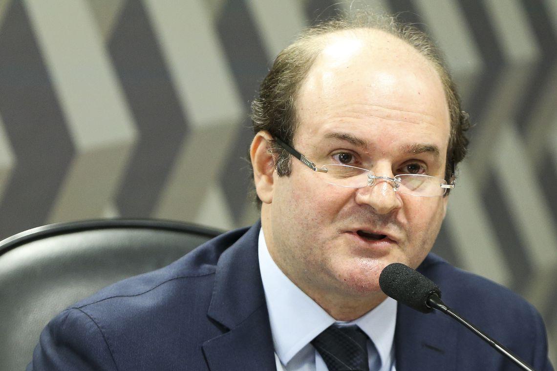 Bolsonaro reconduz ministro Tarcisio Vieira ao TSE
